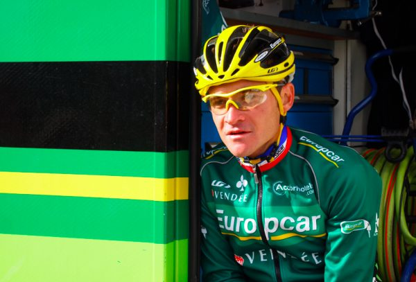 Voeckler minutes after Alp d'Huez, 2011 TDF [photo twisted spoke]