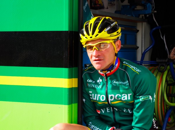 Voeckler at Alpe d'Huez [photo twisted spoke]