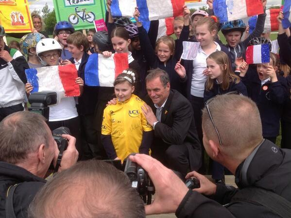 Hinault goes to school.