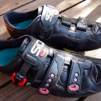 The last of the narrow cycling shoes.