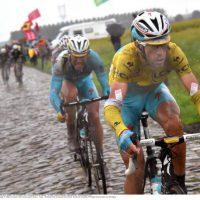 Nibali shows how to ride the cobblestones in 2014 TDF