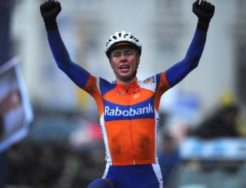 Langeveld wins Omloop by centimeters.